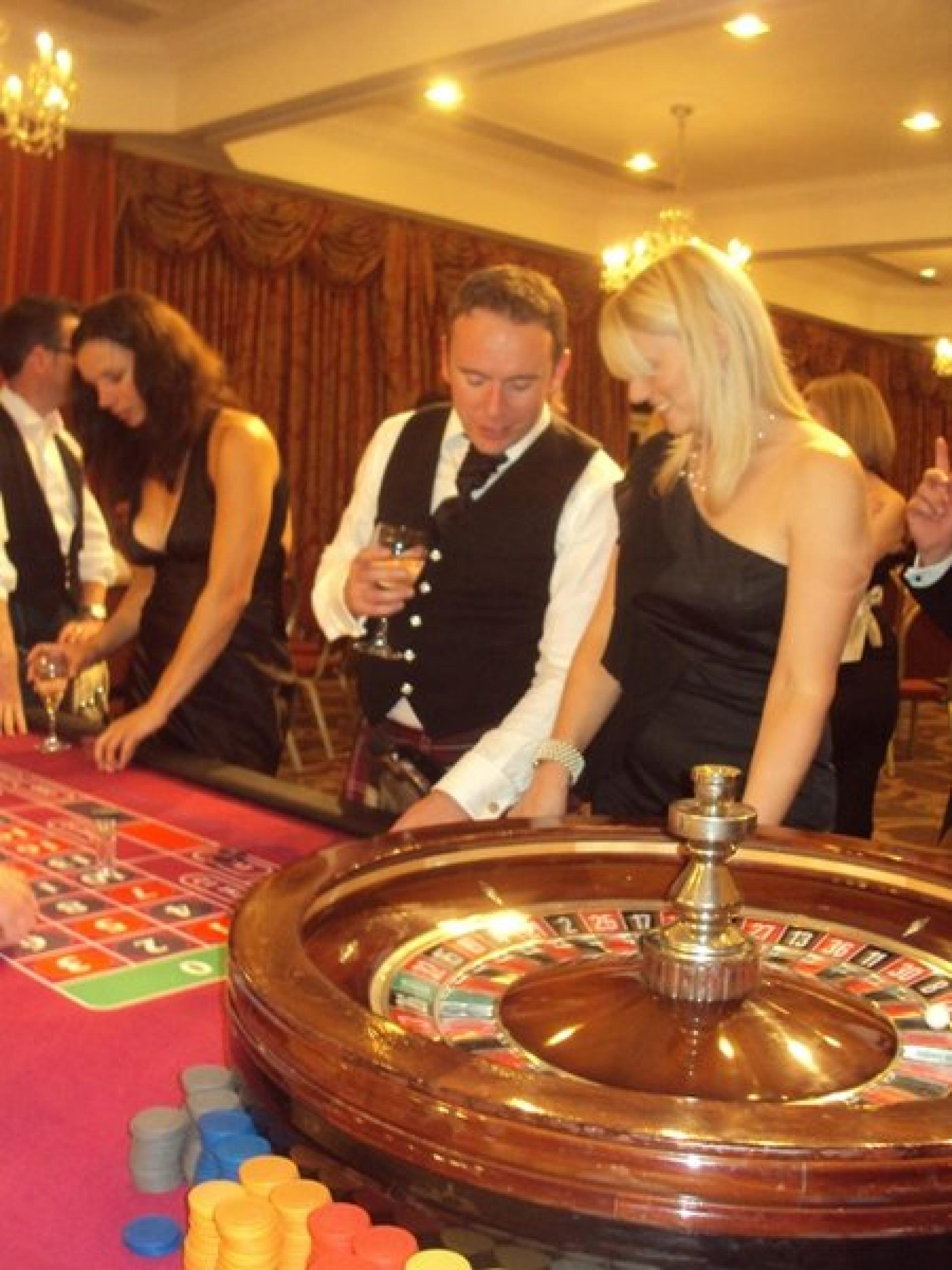Evening Entertainment Fun Casino Aberdeen July 11