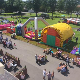 Summer Settings for Your Corporate Event